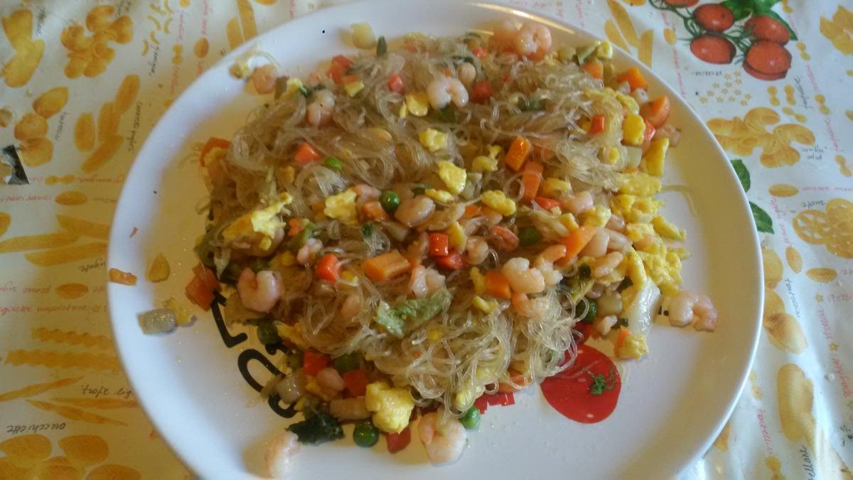 Mangia cio'che sai e cio'che fai :Pancit filippino modificato